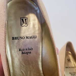 Bruno Magli Size 9 Ivory Heels